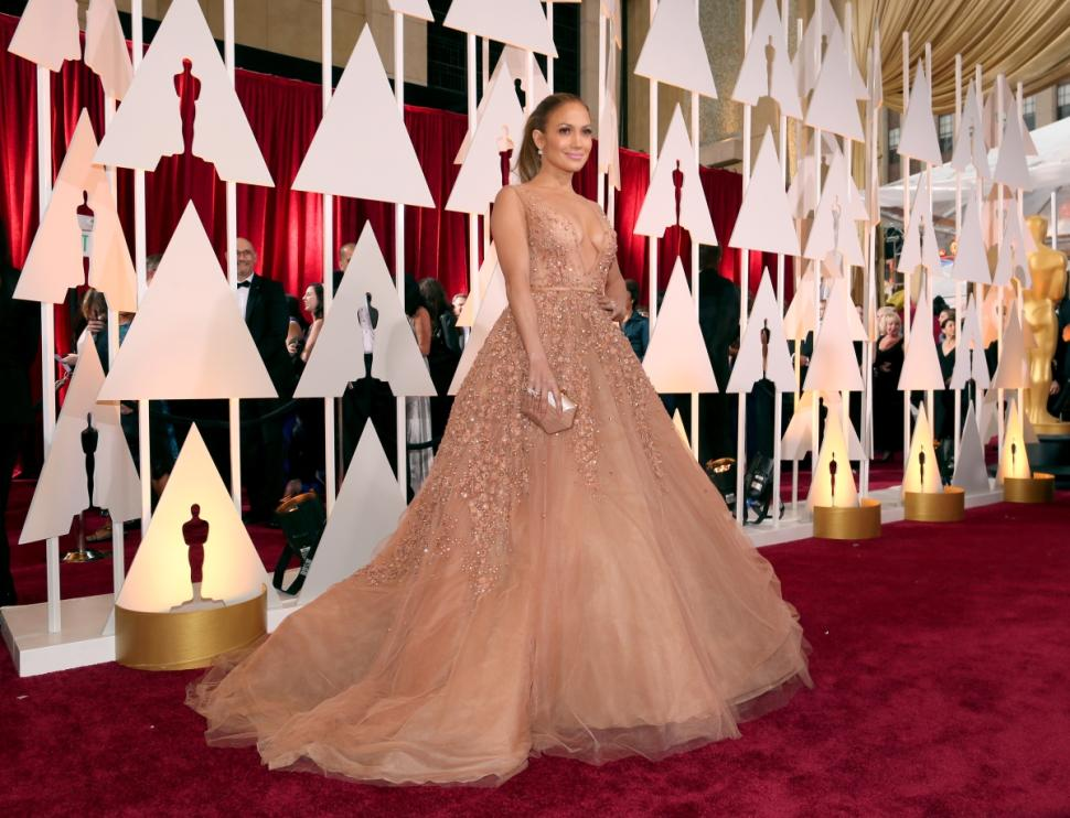 J Lo at the Oscars 2015